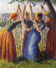"Репродукция картины ""peasant women planting stakes"" художника ""писсарро камиль"""