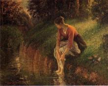 """Репродукция картины """"young woman bathing her feet (also known as the foot bath)"""" художника """"писсарро камиль"""""""